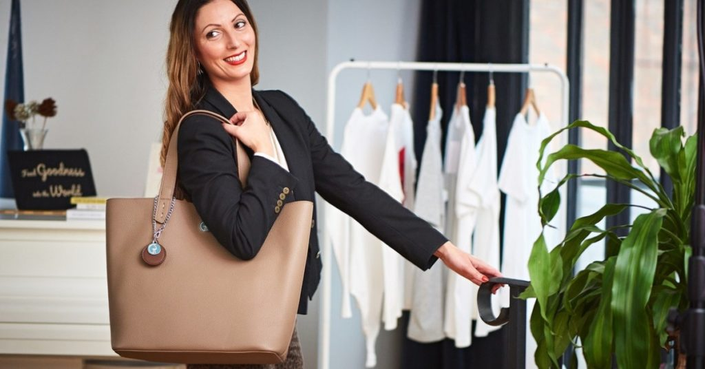 Ethical Brand Directory _ BLOG _ 7 WAYS TO HELP SMALL BUSINESSES   ROBERTA LEE