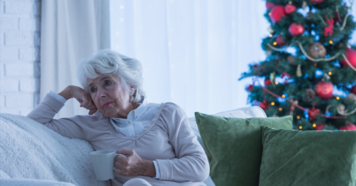 Ethical Brand Directory | Blog | lonely woman| community outreach| neighbours, elderly, lonely at Christmas, reaching out, helping others