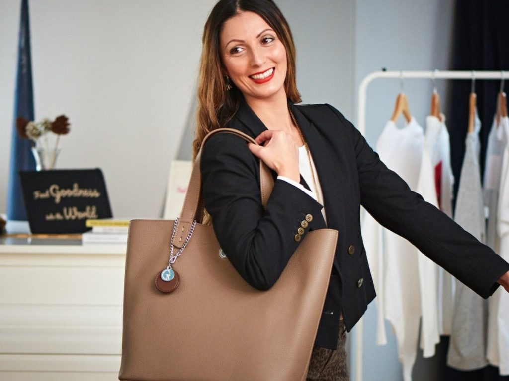 Rose Gold Faux Vegan Leather Tote Bag | Reversible Bag | The Morphbag By GSK | Styled with a black blazer by Roberta Lee | London's Sustainable Style Expert and Personal Stylist