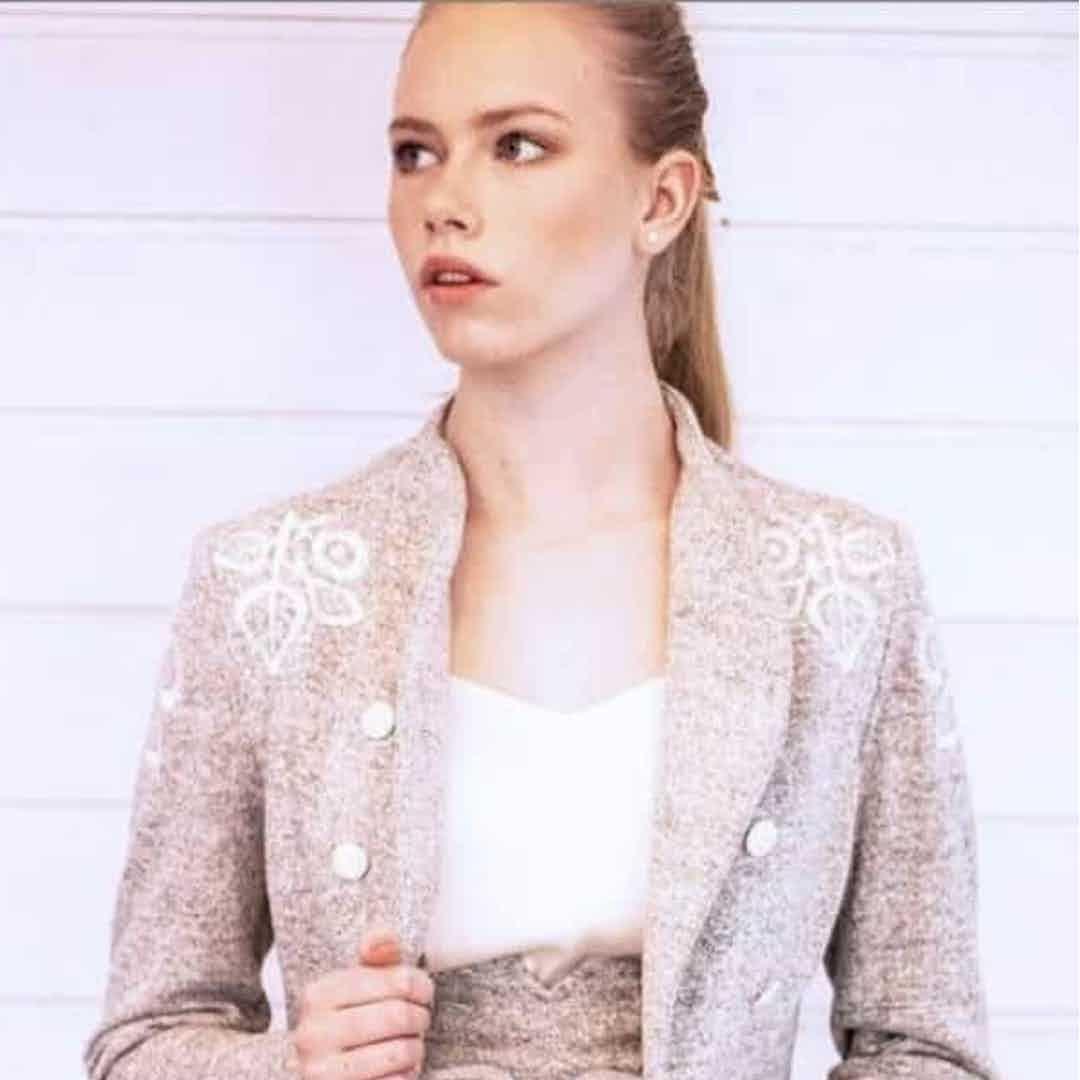 KiRiVOO two piece suit