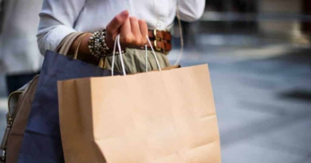 Ethical Brand Directory Blog | How do I know what brands I can trust? | Woman with shopping bags