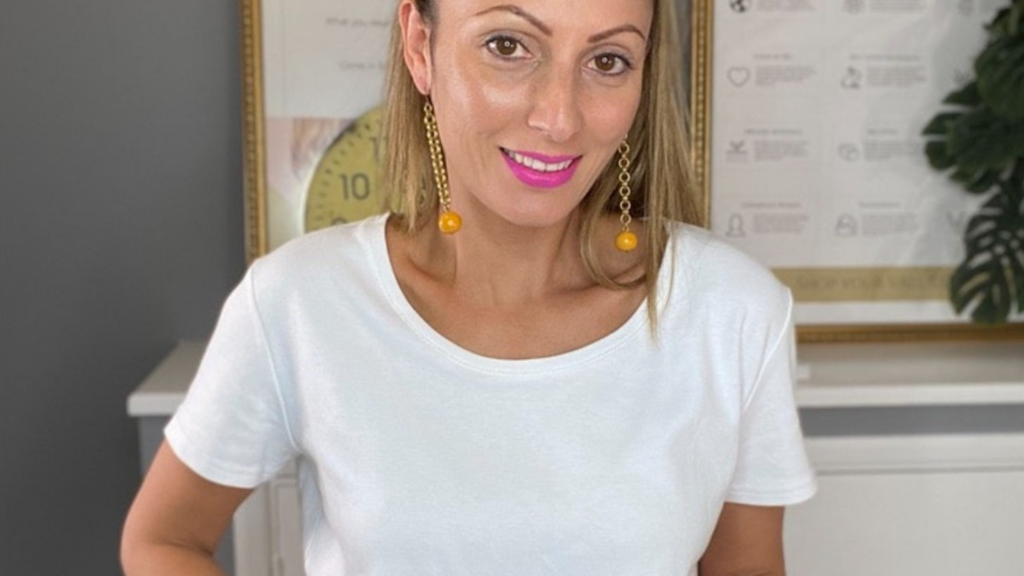 Ethical Brand Directory Blog   Best White T-Shirt   Roberta Lee wearing a white t-shirt from The White T-Shirt Company